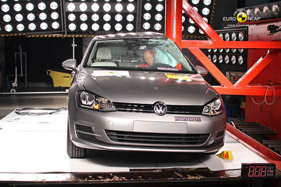 Crashtest VW Golf VII